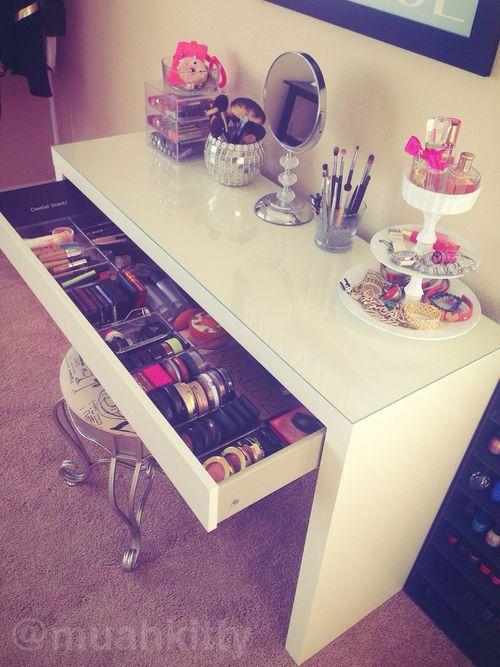 cute organization for a dorm room...i want a cute setup like this