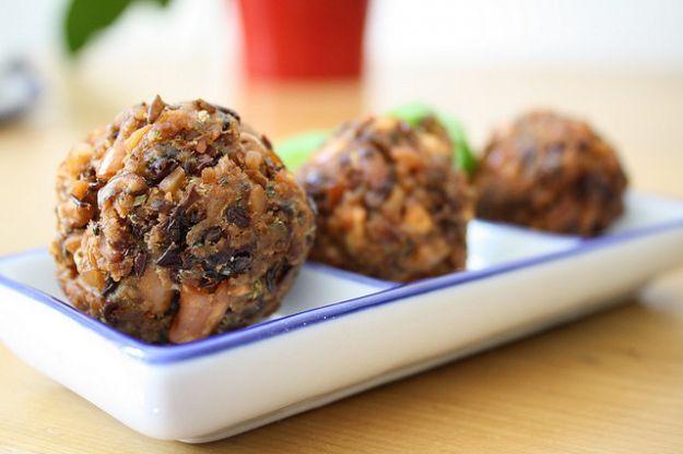Cucina vegetariana, come preparare le polpette di fagioli