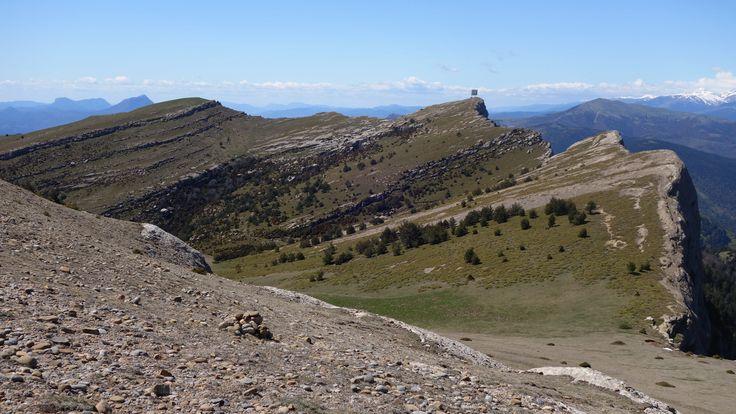 Desde Peña Canciás (1928 metros). Peña Gradatiello (1927 metros) y aristas