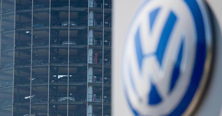 Neue Nachricht:  VW-Skandal im News-Ticker  - In Wolfsburg bahnt sich Streit an: VW weißt Piëchs Anschuldigungen zurück - http://ift.tt/2kVzc6a #nachrichten