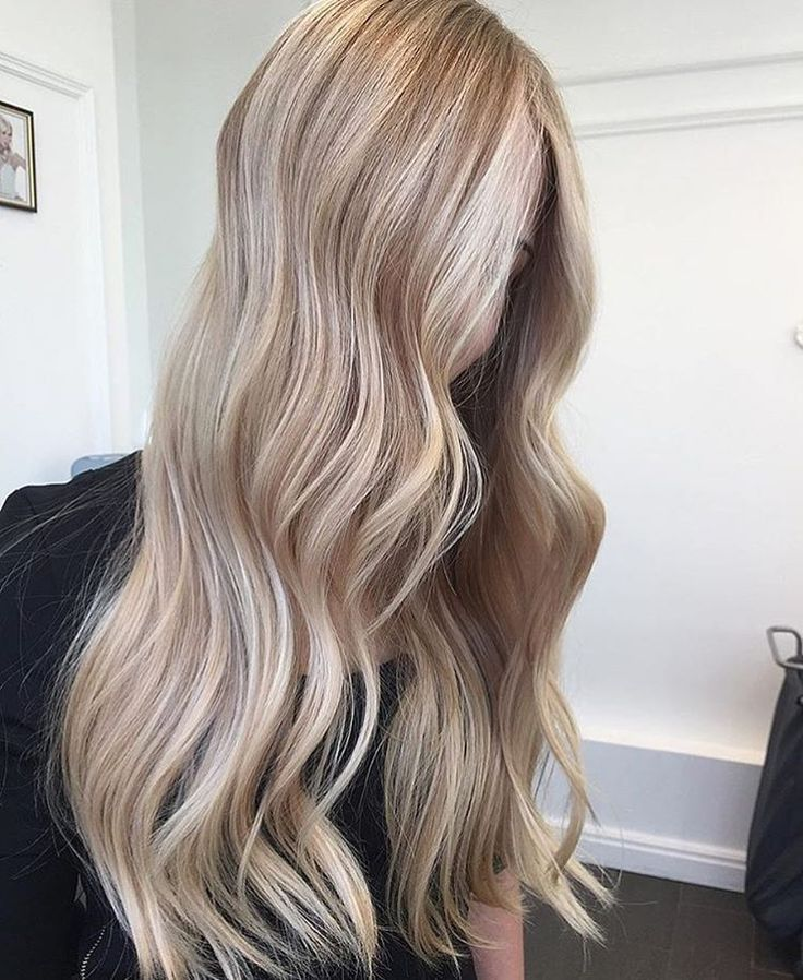 """Talk to the hair! Dimensional #blonde with a tad of bronde by @igorkhonin with #Olaplex. """