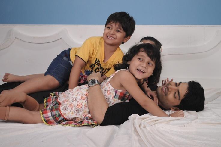 Ansh, Payal & Palak bring out the kid in their papa, Yash.
