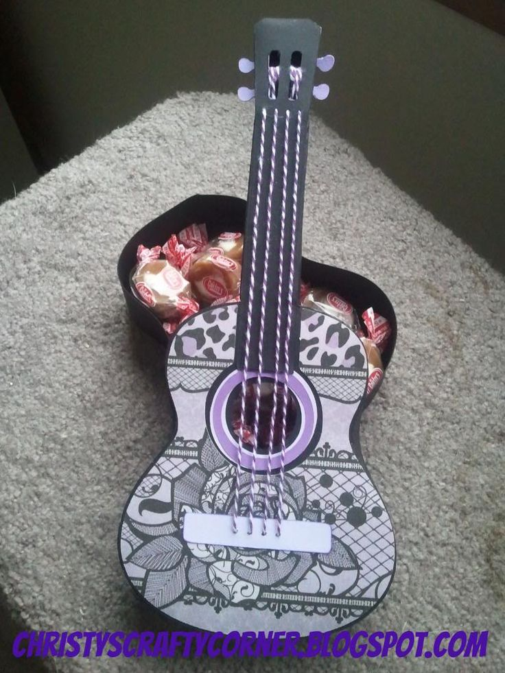 Christy's Crafty Corner: Attention guitar lovers!!