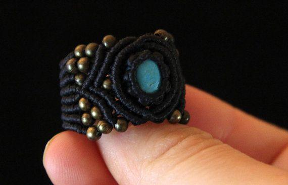 Macrame Turkenite Ring Magic macrame ring nero by KaramelMacrame
