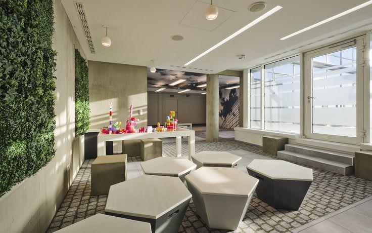 TMobile Warsaw (Poland) Office Design Retail store