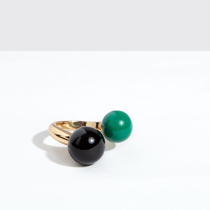 Anillo (ring) --> http://www.purificaciongarcia.com/es/catalogsearch/result/?q=orbita