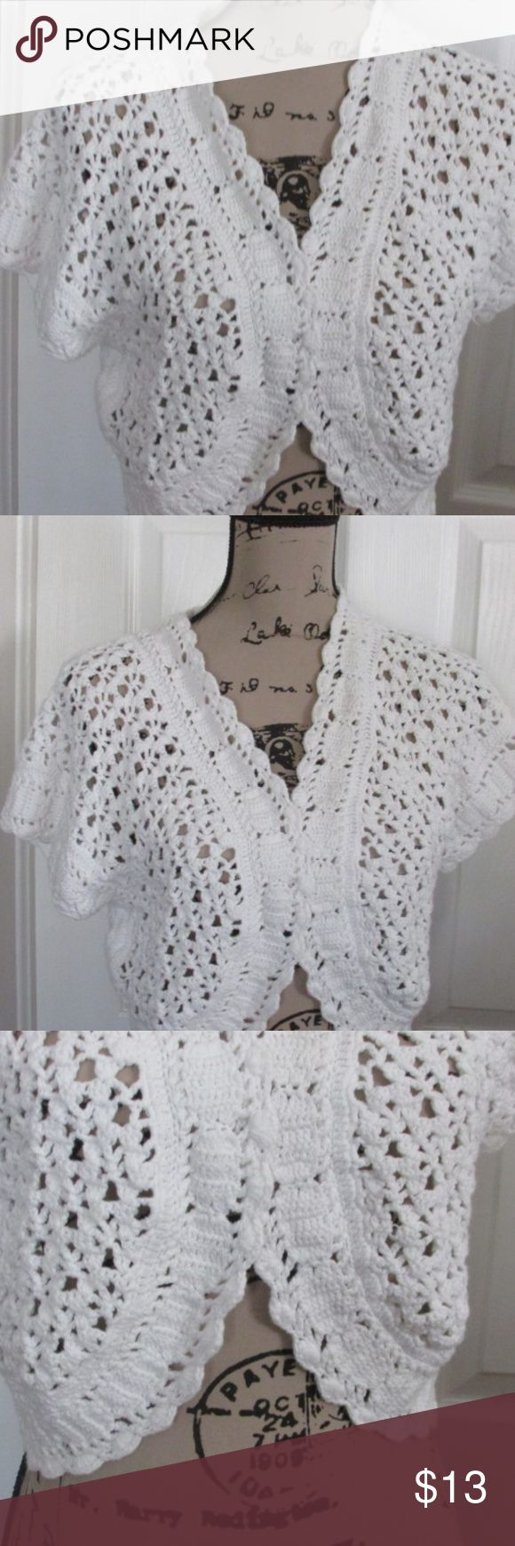 ladies white shrug/sweater xl This is a cute shrug/sweater from Cato. It is white and size x-large. Cato Sweaters Shrugs & Ponchos