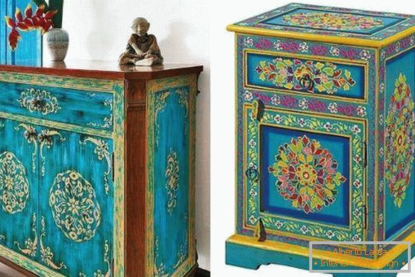 Mobilier Oriental De L Inde Avec Des Motifs Peints Mobilier Indien Motifs Peints Decoration