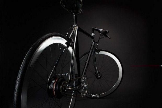 The Chappelli NuVinci bike in sleek black and chrome