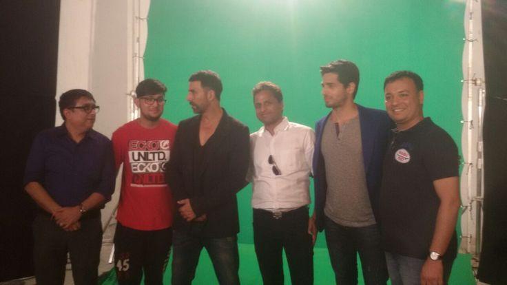 Harshil Desai had a wonderful and fun shooting today with Akshay Kumar and Siddharth Malhotra.#harmony #hdphotography