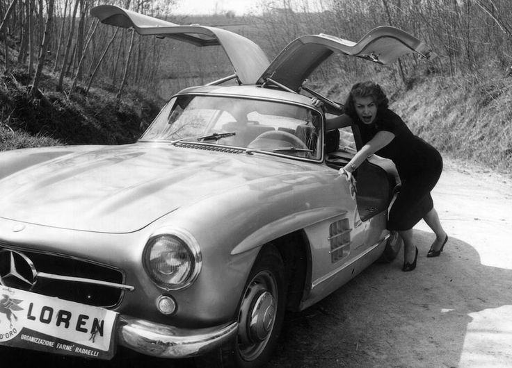 TheGentlemanRacer.com: Car Girl: Sophia Loren & her Mercedes-Benz 300 SL Gullwing
