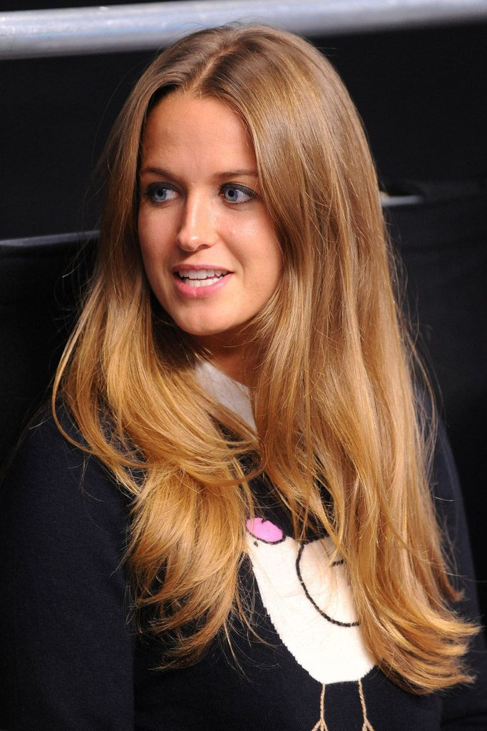 Love love this honey blonde with a hint of cinnamon! Kim Sears - we salute you!