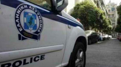 Συνελήφθησαν τρία άτομα για διακίνηση λαθραίων τσιγάρων - http://www.greekradar.gr/sinelifthisan-tria-atoma-gia-diakinisi-lathreon-tsigaron/