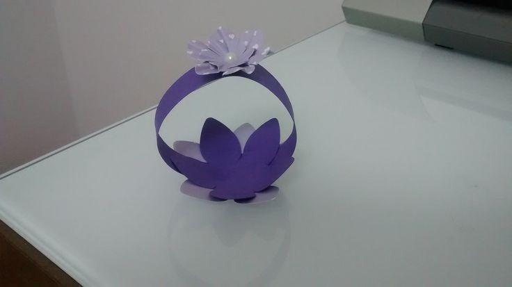 Cestinha flor de doces