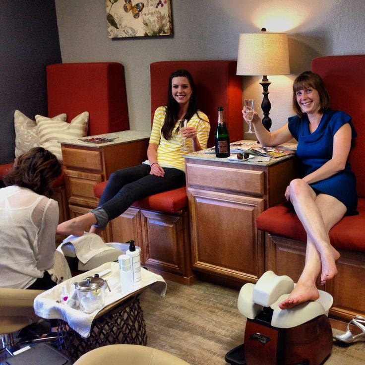 1000 ideas about spa pedicure chairs on pinterest for Nail salon benches