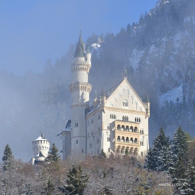 Schloss Neuschwanstein, Wednesday, 15th November 2017, Hohenschwangau, Bayern, Deutschland.