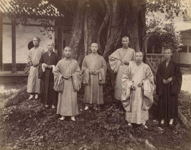 Mee Cheung. 'Boeddhistische Monniken in Chefoo' c. 1880-1890
