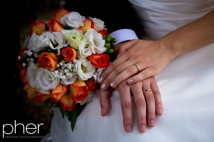 Bouquet - Pher - wedding reportage - photography - Italy - Padua - ring - hands - love - www.pher.it
