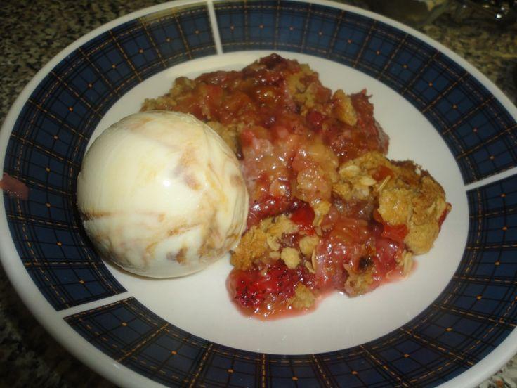 Strawberry Rhubarb Crumble | Fruitilicious | Pinterest ...