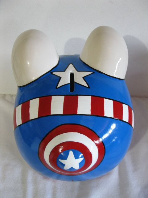 Personalized Hand Painted Capt. America Piggy Bank por PigPatrol