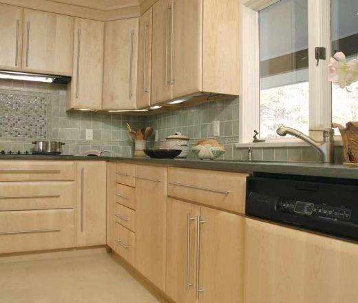 Maple cabinets - backsplash idea   Maple kitchen cabinets ... on Kitchen Backsplash Ideas With Maple Cabinets  id=56432