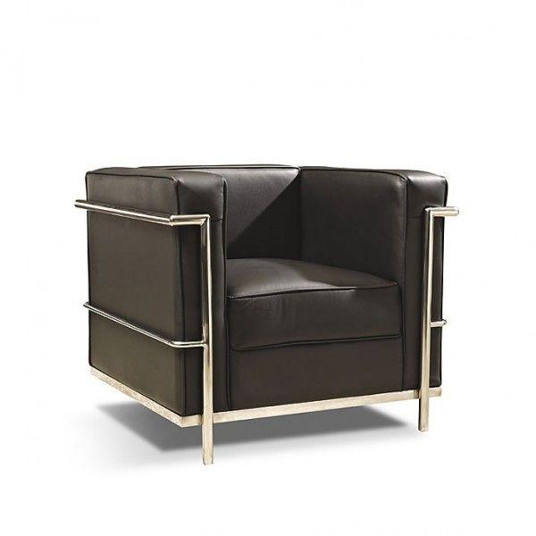 Sillón de estructura de acero tubular cromado y tapizado de piel negra. Pertenece a los clásicos del mobiliario modernista del s. XX.