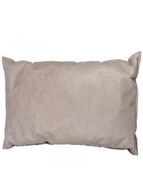 Blød pude i lækkert skind med synlig søm. http://lanugo.dk/129-330-thickbox_default/vegi-pude-iv.jpg