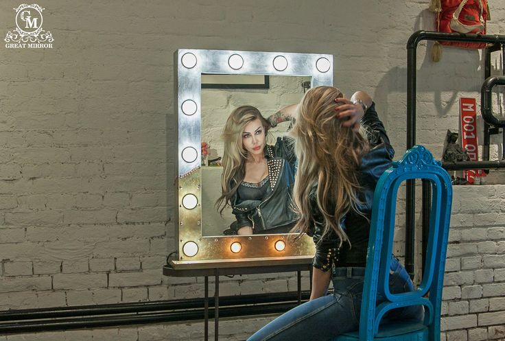 """Когда ты - дитя рока; Когда твой нрав необуздан, а мнение монументально, как железобетон;  Когда твой стиль в интерьере - это просторный и брутальный """"Loft""""; Гримерное зеркало """"Loft design: сement"""" становится твоим продолжением!  Заказать гримерное зеркало со свои уникальным дизайном можно на нашем сайте>>> http://rayapple.ru/mirror/  #ГримерноеЗеркало #зеркало #mirror #makeup #MakeupMirror #dressingroom"""
