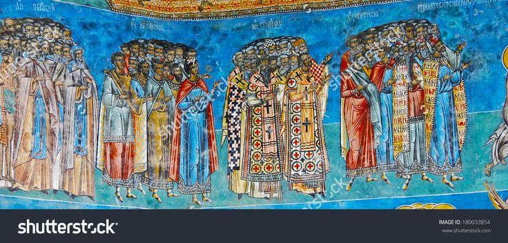 România, 05 iulie 2010. O vizita Manastirea Voronet.  Detalii ale pereților exteriori pictate.  Culoarea dominantă este bine cunoscut albastru de Voronet.
