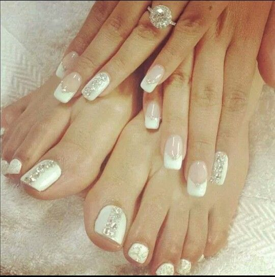 French manicure with a little twist !
