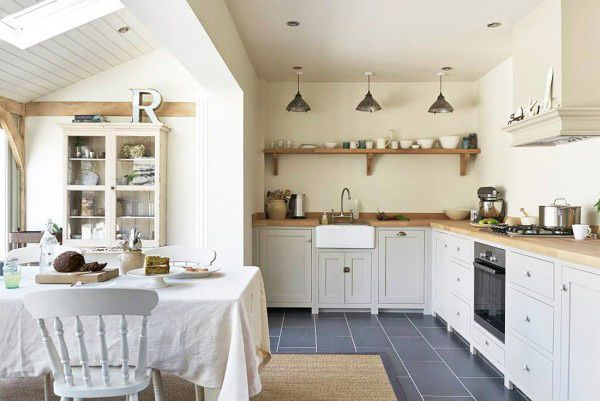 A beautiful renovation project by Border Oak with a deVOL Shaker Kitchen