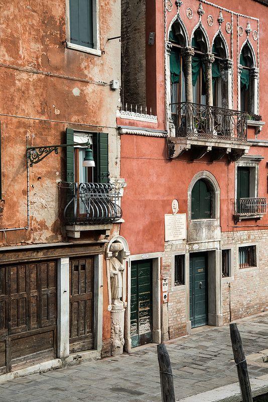Venice - Cannaregio - Fondamenta dei Mori   by bautisterias
