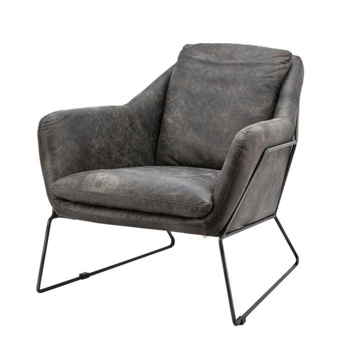 Prachtige armstoel in vintage leer antraciet met metalen poten. Ook in donkerbruin verkrijgbaar. Afmetingen (BxDxH): H. 80 cm | B. 74 cm | D. 85 cm Afmeting verpakking (BxDxH): 74x87x81 cm Materiaalsoort:Leer/metaal Behandeling: Geverfd Fauteuil Antonio is afgebeeld in antraciet, maar ook verkrijgbaar in donkerbruin.  De fauteuil Antonio is verkrijgbaar voor €799,- Kom gerust proefzitten in Nijverdal!