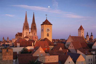 Warum sich ein Besuch in Regensburg lohnt http://www.travelbook.de/deutschland/Warum-man-Regensburg-besuchen-sollte-565274.html