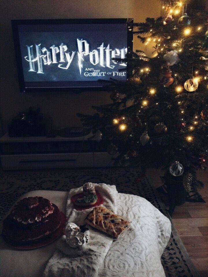 Pin By Olciak On Inspo Harry Potter Movie Night Disney Movie Night Harry Potter Background