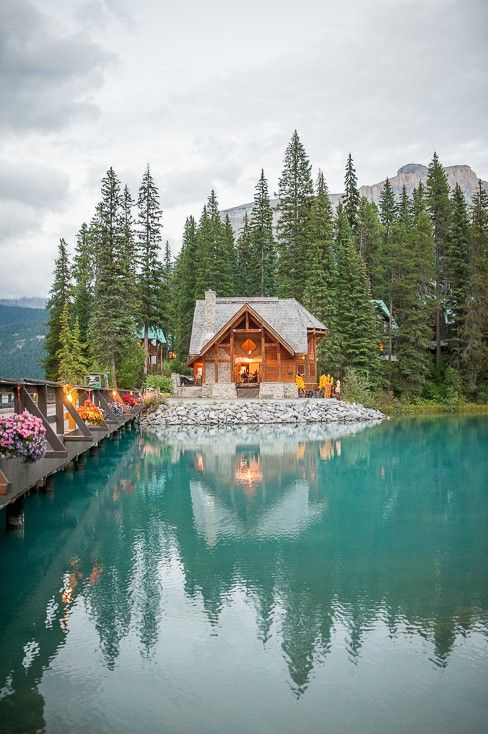 One of our favorite venues. Emerald Lake Lodge. Photo by Jesse Hisco Photography. #mountainwedding #canadianrockiesweddingvenue