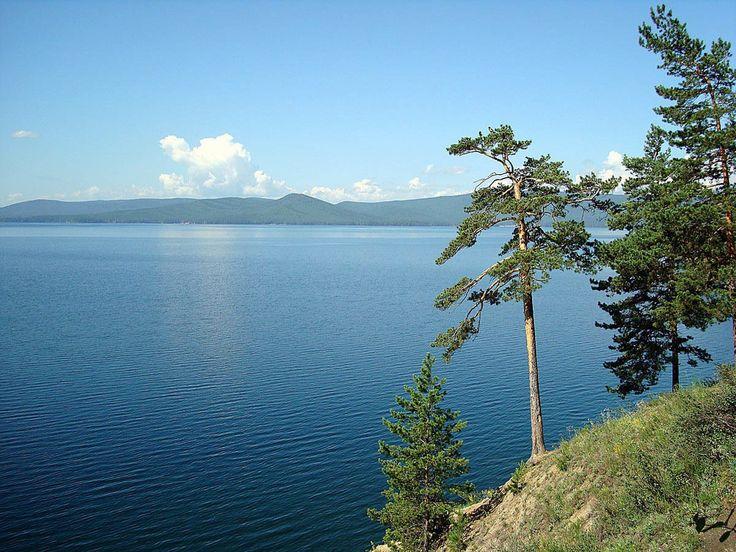 Тургояк — второе по прозрачности озеро России. Озеро содержит чистейшую природную воду, по качеству близкую к байкальской.