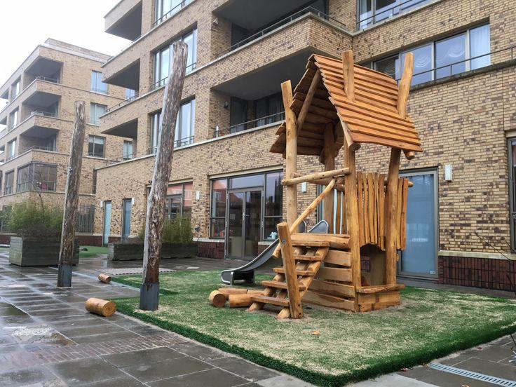 Het nieuwe speelhuisje van locatie 2Torentjes, goed voor jaren speelplezier!
