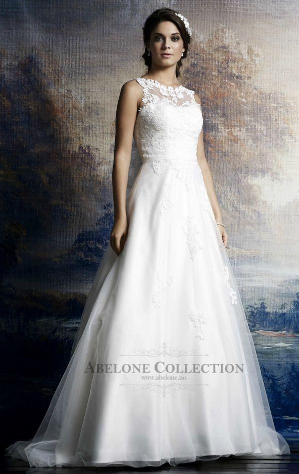 Blondebrudekjole med båthals 08-3504 Passions by Lilly 2015  http://www.abelone.no/brudekjoler/bryllupskjoler/passions-by-lilly-brudekjoler