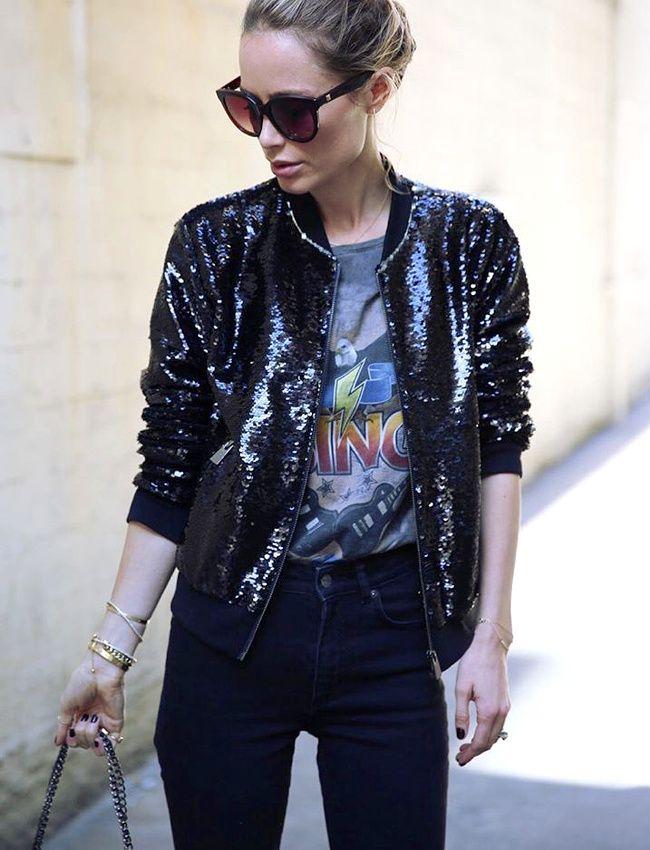 Le tee-shirt vintage, le meilleur ami du blouson à paillettes ! (instagram Anine Bing)
