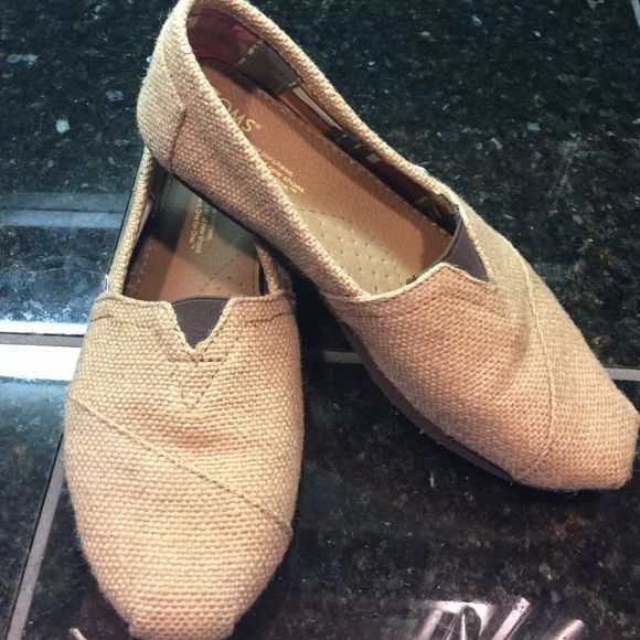 Burlap TOMS Pair of practically brand new Burlap TOMS in a size 8.5.....tradesPayPal TOMS Shoes Flats & Loafers
