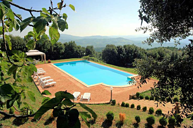 Relaaax in this beautiful swimming pool #italy #holidays #lovetuscany