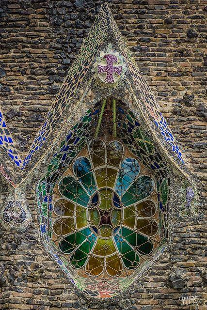 Vitraux de la Crypte de la Colonie Güell (Santa Coloma de Cervelló)