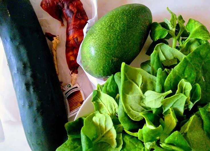 To ease a PMS a bit, I'm eating plenty of magnesium-rich foods like avocado, leafy greens and fish. It helps me to ease my mood swings.