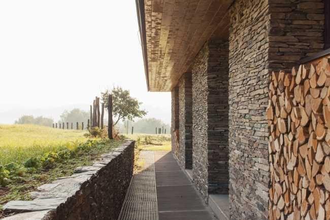Klasická stodola zmoderných materiálov | Rodinné domy | Stavby | Architektúra | www.asb.sk