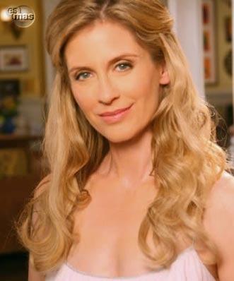 Helen Slater as Sandra Van Ryan, Kelly's mother.