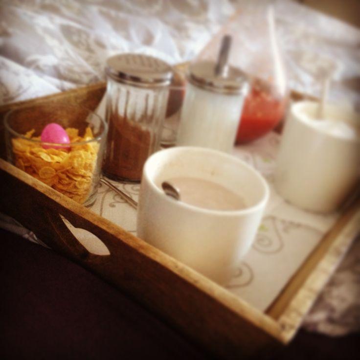 Oltre 25 fantastiche idee su vassoio da letto su pinterest - Vassoio colazione letto ...