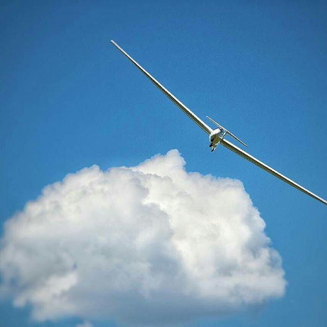 Made by @marc.suttel  www.segelfliegen-tshirts.de  #segelfliegen❤️ #segelfliegen #soaring #gliding #gliderfashion #glider #globalgliding #Segelflieger #zweefvliegen #forglider