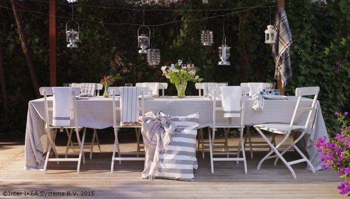 Masa este gata. Tot ce mai lipseşte sunt râsetele celor dragi. www.IKEA.ro/scaun_MALARO