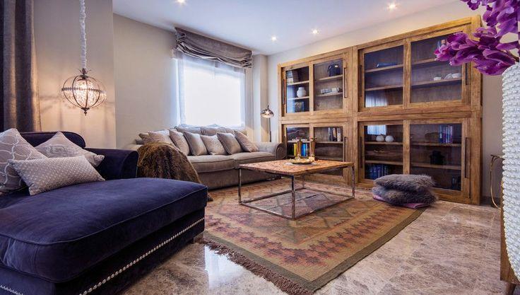 Испанский стиль в интерьере: роскошь и пассионарность в каждой детали http://happymodern.ru/ispanskij-stil-v-interere/ Красивый мраморный пол гостиной
